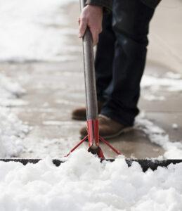lightstock_117407_shoveling-cropped